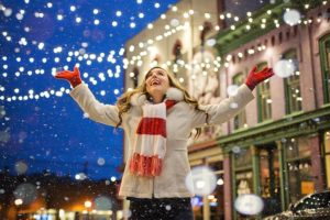 3 Creative Ways to Integrate Lighting into Your Business's Holiday Decorations Arlington Heights